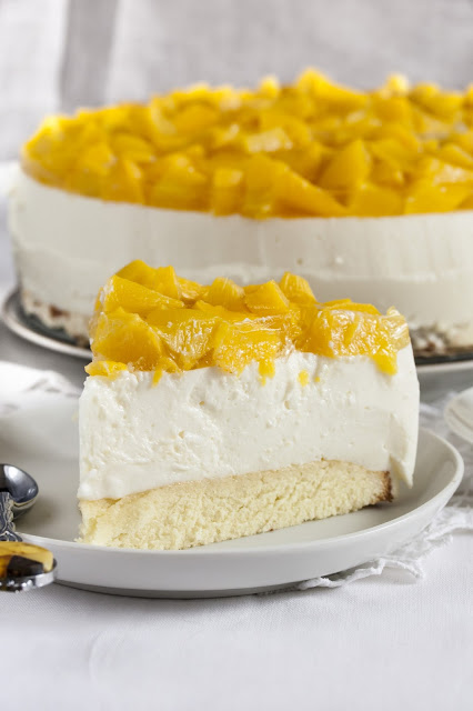 Cheesecake allo yogurt e pesche