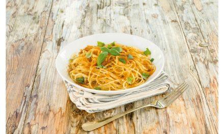 Spaghetti alla chitarra con bottarga e lime