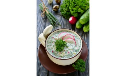 Okroshka (Zuppa fredda di kefir e verdure croccanti)